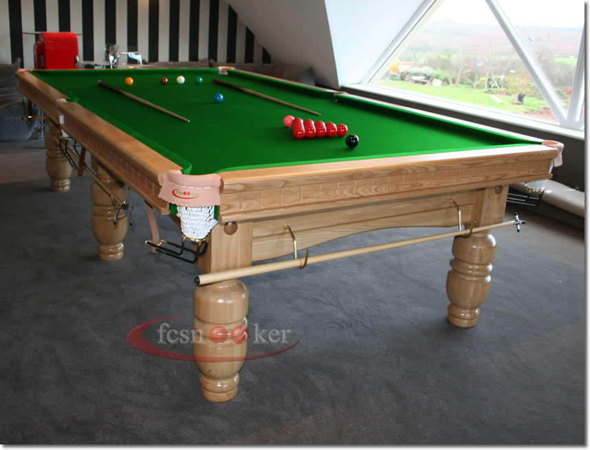Fcsnooker presents the classic turned leg snooker for 10 foot table cloth