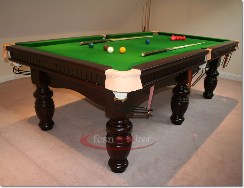 Superieur 8 Foot X 4 Foot Elite Snooker Table In Mahogany Fitted With Burgundy Cloth  To The Table Bed And Cushion Rails